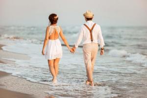 fethiye balayi fotoğraflari,sahilde el ele tutuşmak