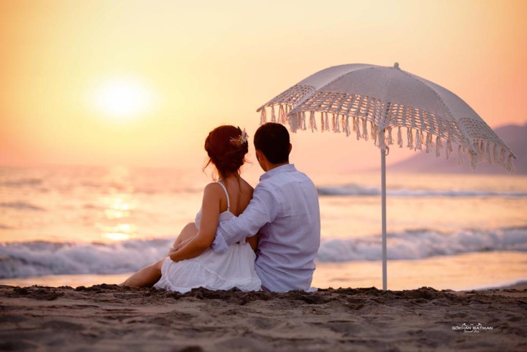 fethiye düğün fotoğrafçısı,gün batımı,şemsiye